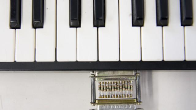Magnetic Casio